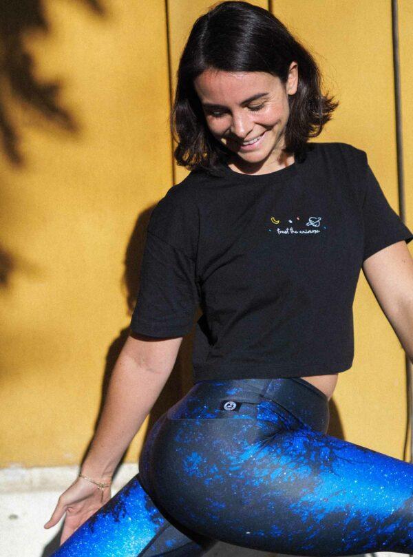 Blue-Milky-Way-Yoga-Leggings-Arctic-Flamingo-Model-Cora-Omlala