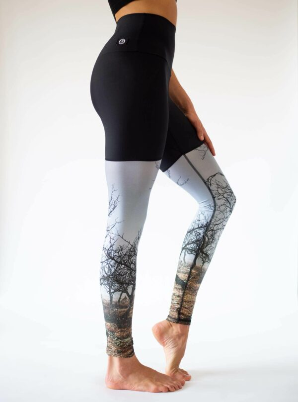 Roots-Leggings-Side-Right-Arctic-Flamingo-Yoga-Leggings