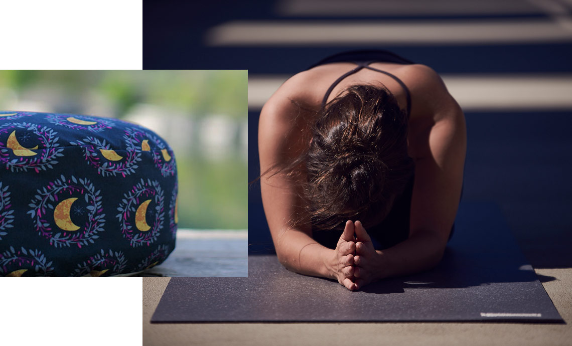 Meditationpillow and Yogamat both are made in Germany and are great gifts to inspire your friend to do more yoga.