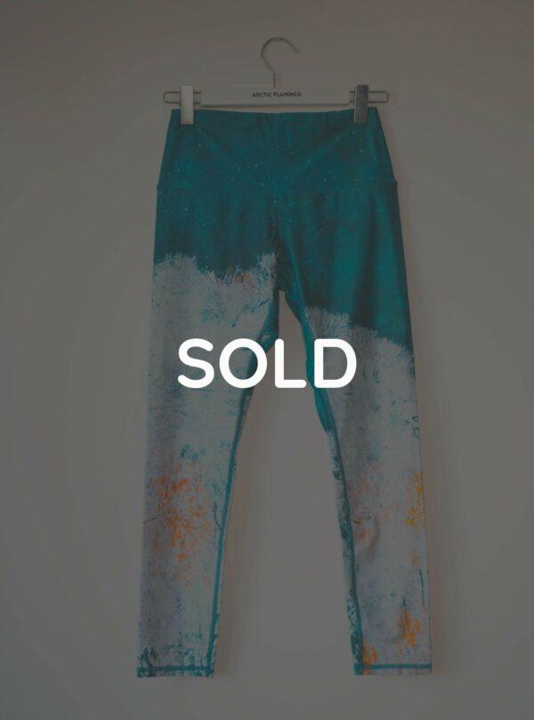 Sold-Happy-Lake-M