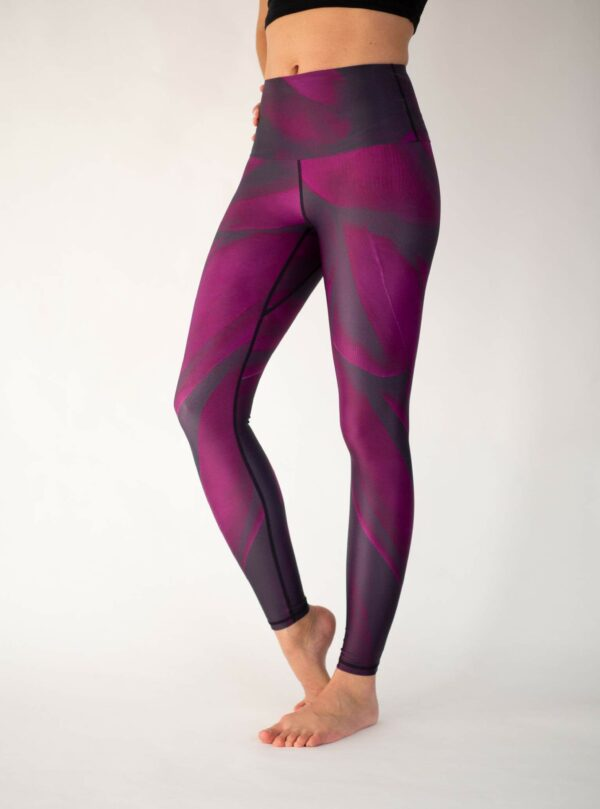 Burgundy-Yoga-Leggings-Arctic-Flamingo
