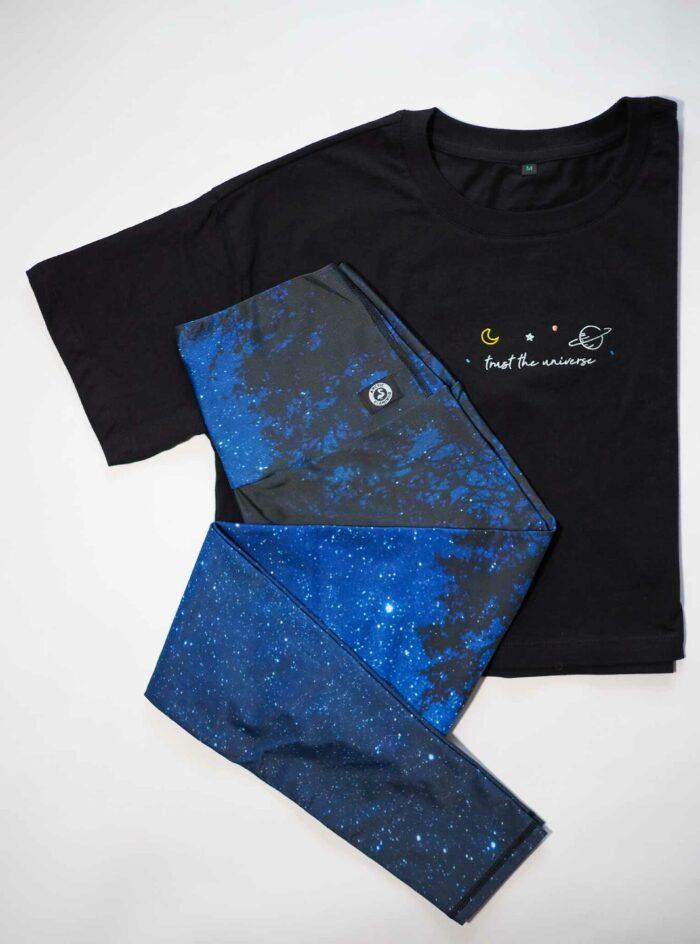 Universum-Quote-T-Shirt-Leggings