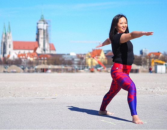 Purple-Bird-Yoga-Leggings-Arctic-Flamingo-Deutschland